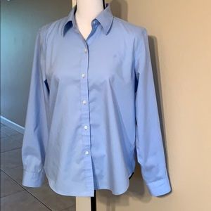 EUC RALPH LAUREN PETITE NON IRON BUTTON DOWN SHIRT